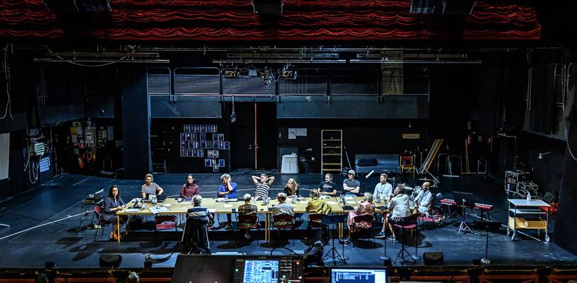 Repetitionerna är igång på scen 1